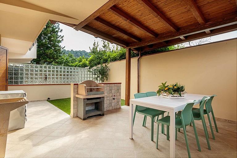 Secondo patio con barbecue - Casa vacanze Zagara