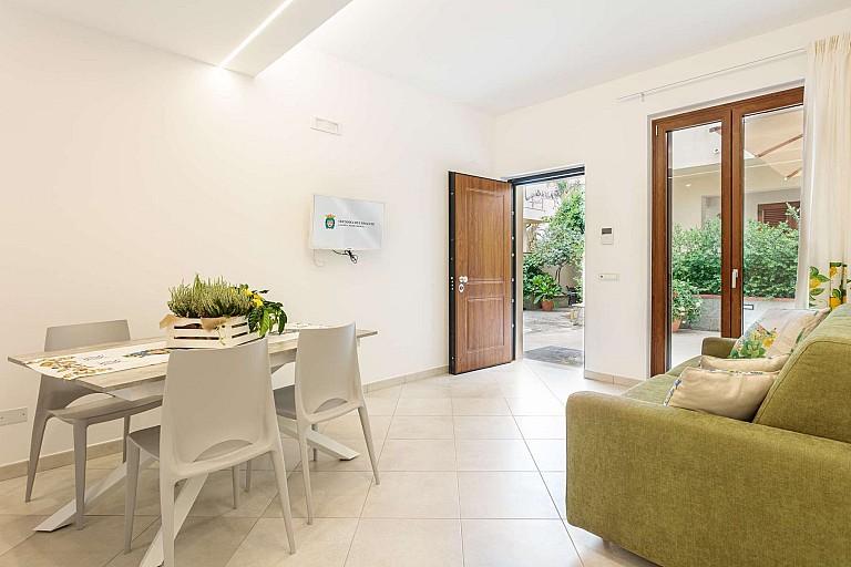 Living and patio - Zagara Apartment