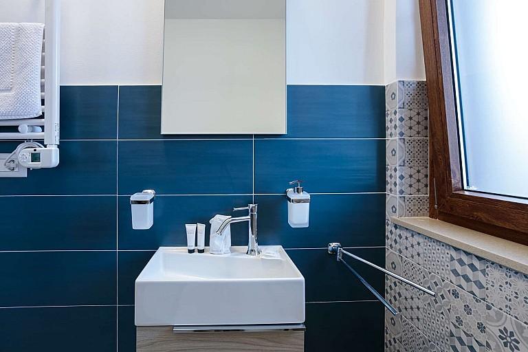 Bagno con box doccia - Casa vacanze Chiàppiri