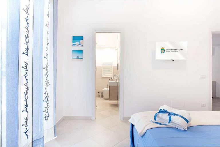 Double bedroom with bathroom - Ficarazzi Apartment