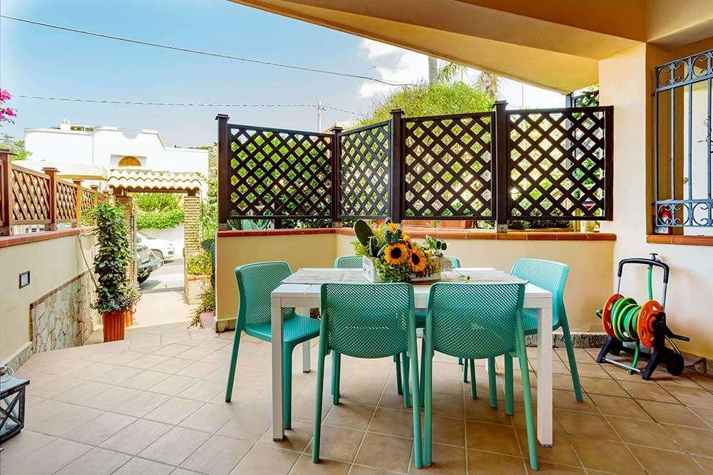 L'ingresso indipendente con patio di Ficarazzi